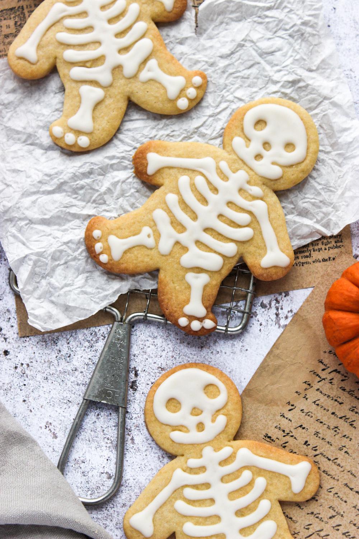 helovino sausainiai skeletai